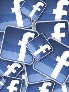 Facebook multi logo 225x300 - حمل الان برنامج الفيس بوك على جوالك البلاك بيري facebook blackberry